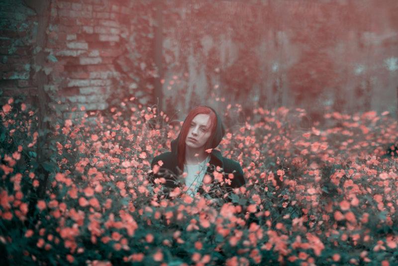 ritratto-fiori-rossi