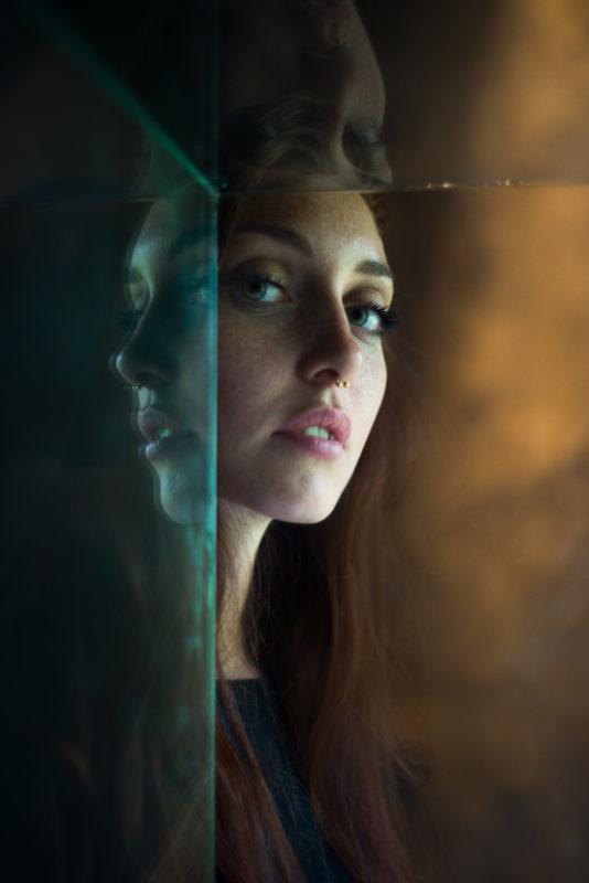 viso-di-donna-specchio